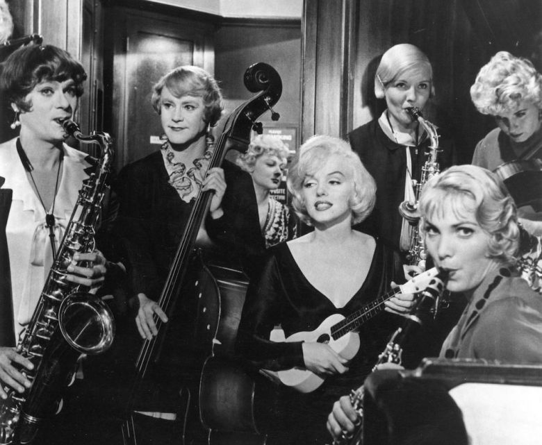 6 Somelikeithot <i>Some Like It Hot</i> [Bazıları Sıcak Sever] (1959) filminden bir kare © BG Films
