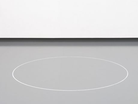 Ian Wilson                                                                                                                                                                                                                                                      Ian Wilson, <i>Circle on the Floor</i> [Yerdeki çember], 1968