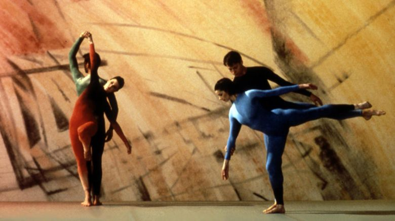 Gorsel Image I Merce Cunningham ve Elliot Caplan'ın <i>Points in Space</i> [Uzaydaki Noktalar] (1986) video işinden bir kare; New York'taki Electronic Arts Intermix'in (EAI) izniyle.