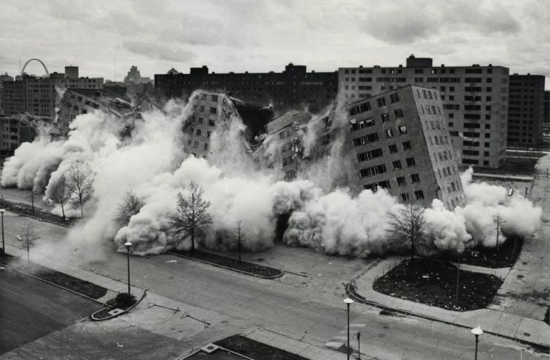 The Pruitt Igoe Myth 2011 <i>The Pruitt-Igoe Myth</i> [Pruitt-Igoe Miti] (2011) filminden bir kare ©Unicorn Stencil Documentary Films (Fotoğraf: St. Louis Post-Dispatch)
